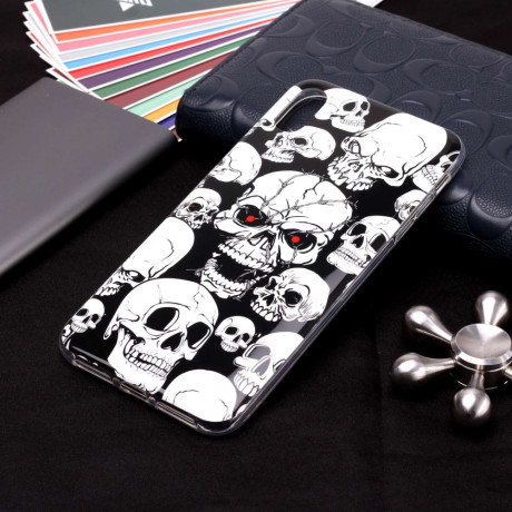 Husa iPhone XR 6.1'', Luminous Patterned, Skulls Pattern