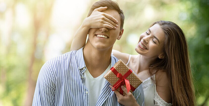 Idei cadouri perfecte de Valentine's Day pentru EL
